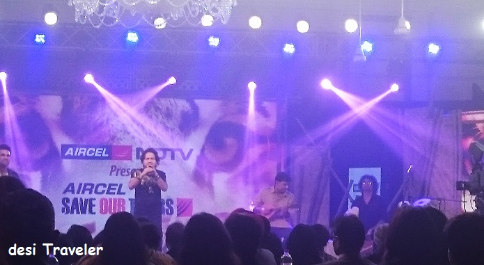 Kailash Kher Singing live