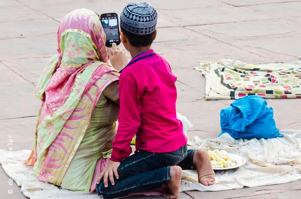Jama Masjid Delhi Ramazan Walk - mother and son clicking selfie