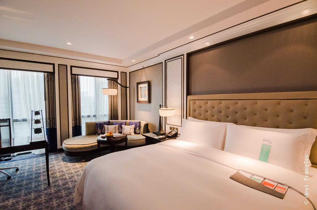 The Plaza Athenee Bangkok room