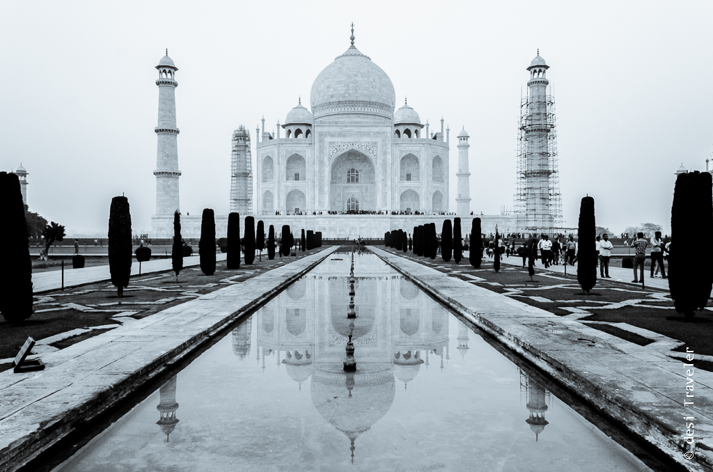 Taj Mahal Agra Black & White Picture