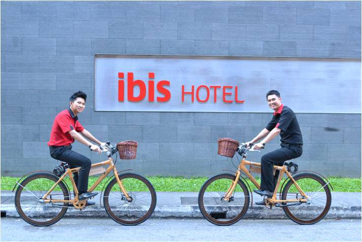 Borrow Cycle Ibis Singapore on Bencoolen Review