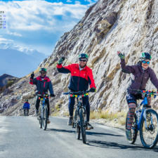 July 2018 Calendar Wallpaper - Cycling In Ladakh