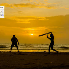 September 2018 Calendar Wallpaper : Mumbai Beach Cricket